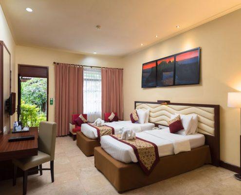 Grand_Istana_Rama_Hotel-Deluxe_Room-Bedroom_3