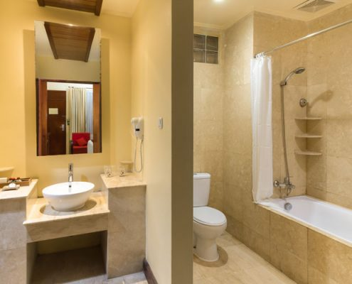 Grand_Istana_Rama_Hotel-Superior_Ground-Bathroom_1