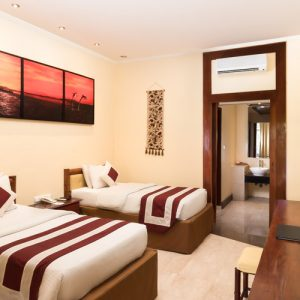 Grand_Istana_Rama_Hotel-Superior_Ground-Bedroom_2A