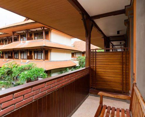 Grand_Istana_Rama_Hotel-Superior_Upper-Balcony_2