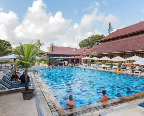 Grand_Istana_Rama_Hotel-Swimming_Pool_5
