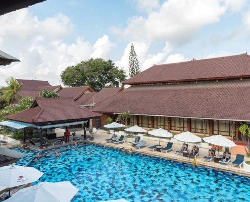 Grand_Istana_Rama_Hotel-Swimming_Pool_6