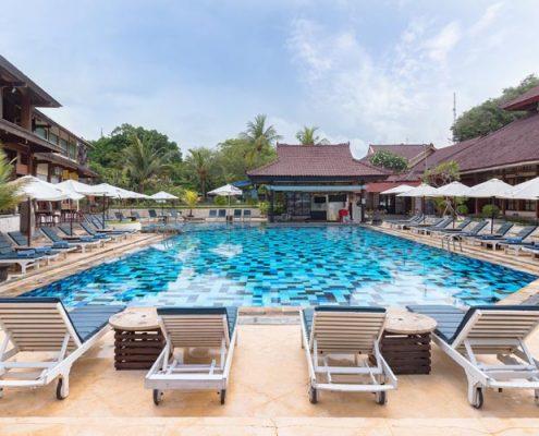 Grand_Istana_Rama_Hotel-Swimming_Pool_3