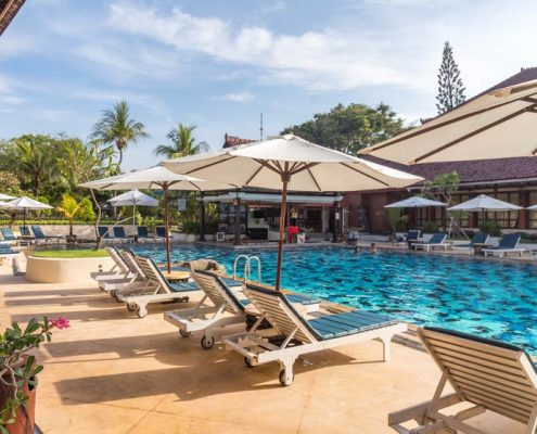 Grand_Istana_Rama_Hotel-Swimming_Pool_2