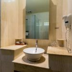 Grand_Istana_Rama_Hotel-Superior_Upper-Bathoom_1