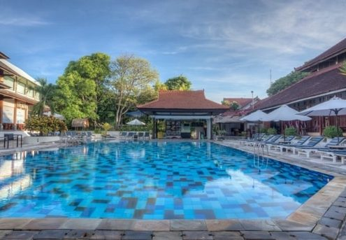 Grand_Istana_Rama_Hotel-Swimming_Pool_4