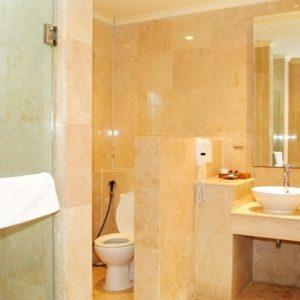 Grand_Istana_Rama_Hotel-Garden_Suite-Bathroom_1