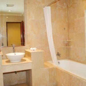 Grand_Istana_Rama_Hotel-Garden_Suite-Bathroom_3