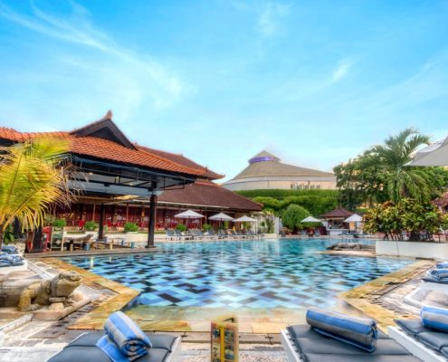 Grand_Istana_Rama_Hotel-Swimming_Pool_1