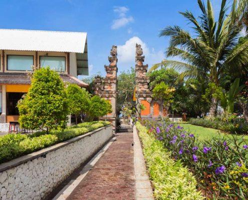 Grand_Istana_Rama_Hotel-Gate_Area_2