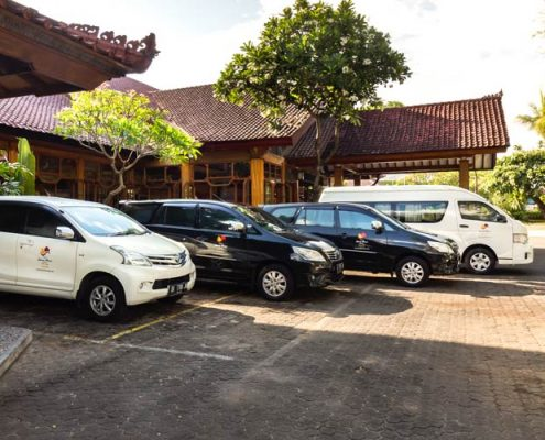 Grand_Istana_Rama_Hotel-Parking_Area_2